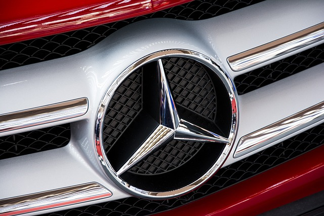 Mercedes badge on grill